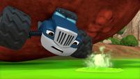 S4E8 Swamp bubble pops in Crusher's face