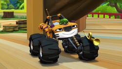 S1E8 Frog hops on Stripes' hood