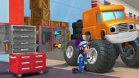 S4E6 Gabby fixing a truck