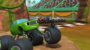 S4E10 Pickle announces the race start