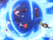 O25 Ichigo, Orihime, Sado, Uryu, Ganji i Yoruichi przebijają się przez barierę