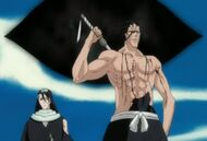 Byakuya i Kenpachi wracają z Hueco Mundo