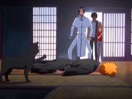 O23 Orihime, Sado i Uryu patrzą na zranionego przez Yoruichi Ichigo