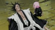 Yachiru comes to Kenpachi's aid
