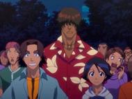 O10 Sado, Mizuiro i Keigo w tłumie