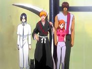 O22 Ichigo, Uryu, Yoruichi, Sado i Orihime zaskoczeni widokiem mieszkańców