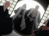 Byakuya et Kenpachi arrivent pour ramener l'équipe de Toshiro Hitsugaya