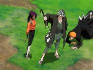 Urahara protects Ichigo