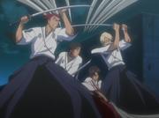 Renji dan Izuru membantu Hisagi