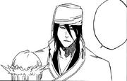 Byakuya menenangkan Rukia