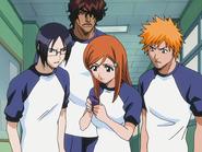 O67 Orihime, Uryu, Ichigo i Kurodo znajdują opaskę porwanej koleżanki