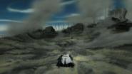 Komamura falls alongside the Reigai