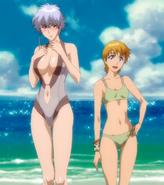 O228 Kiyone i Isane na plaży