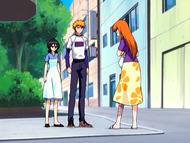 O2 Ichigo słucha jak Rukia pyta Orihime o bliznę na nodze