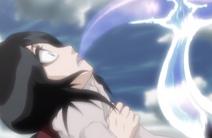 Hollow parasito atacando a Rukia