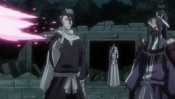 Byakuya y Senbonzakura protegiendo a Muramasa