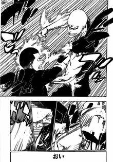 Moe y Ikkaku peleando cuerpo a cuerpo