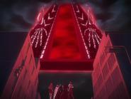 O68 Orihime, Ichigo, Renji, Uryu i Kon przyglądają się bramie z bliska