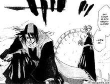Byakuya Kuchiki arrodillado ante el rey babuino