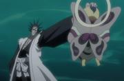 Zaraki atrapando a Ashisogi Jizo