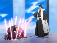 Byakuya pokonuje Renjiego