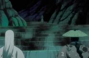 Katen Kyokotsu approaches Kyoraku and Ukitake