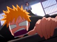 O23 Uryu siłą wyciąga Ichigo