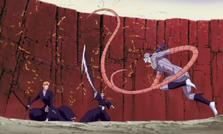 Renji cubre a Ichigo del ataque de Gunjō