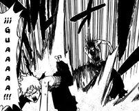 Kenpachi ataca a Ichigo para que se vaya