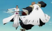 Aizen cuts down Komamura