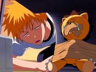 O16 Ichigo znajduje Kona za sedesem