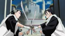 Byakuya et son Reigai Byakuya croissant le fer