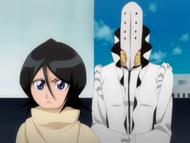 O154 Arruruerie pojawia się za Rukią
