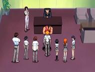 O11 Sado, Mizuiro, Keigo, Ichigo, Rukia, Orihime i Tatsuki besztani przez Kagine i Misato
