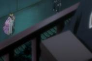 Shunsui melihat Aizen