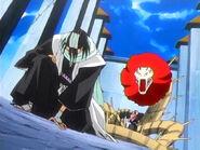 Byakuya hinca su rodilla