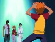 O20 Orihime, Sado i Uryu patrzą na zaskoczonego widokiem mówiącej Yoruichi Ichigo