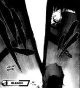 Hirako ataca a Aizen