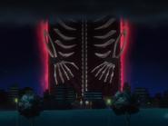 O68 ogromna brama pojawia się nad miastem przed Ichigo, Orihime, Uryu i Renjim