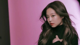 Jennie screencap for Elle x Rouge Dior Liquid video 2