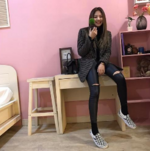 Jennie in her dorm 4