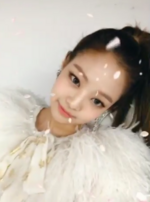 Jennie at the Melon Music Awards using snow