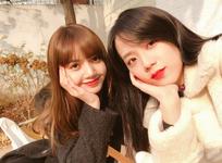 Lisa and Jisoo IG Update 251117 2