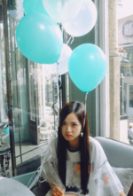 Jisoo with blue balloons IG Update 2