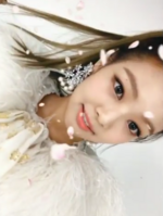 Jennie at the Melon Music Awards using snow 2