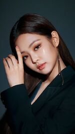 Jennie for Hera Black Foundation 3