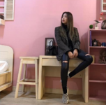 Jennie in her dorm