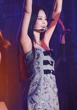 Jennie/Solo Stage