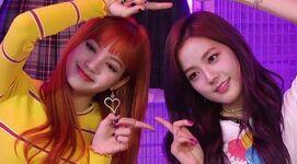 Jisoo and Lisa VLIVE Comeback