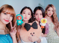 YGEX Staff Twitter Update with BLACKPINK 180828